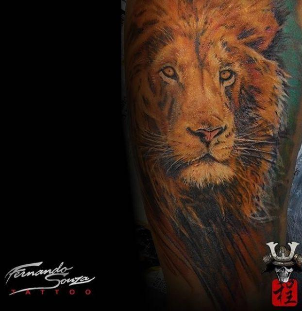 arte de leão no braço
