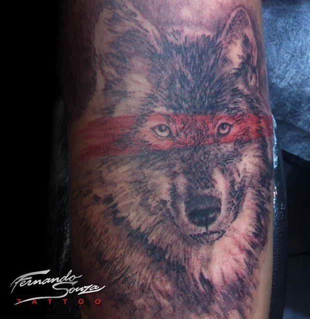 arte de lobo no braço
