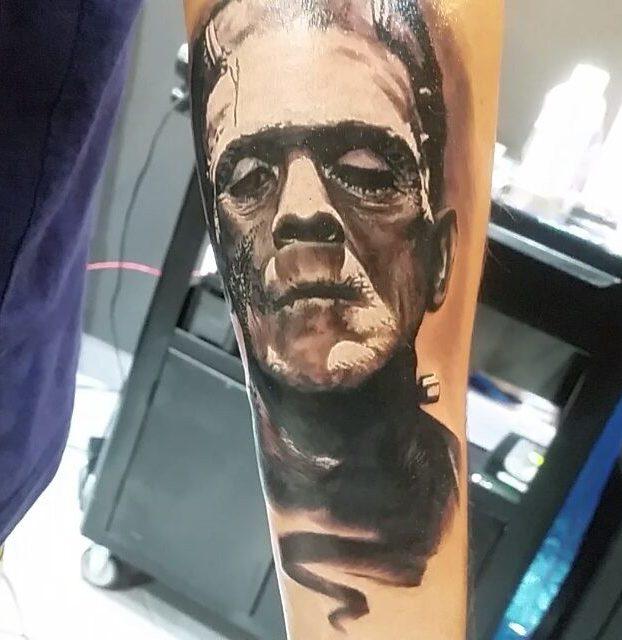 frankenstein no braço tatoagem
