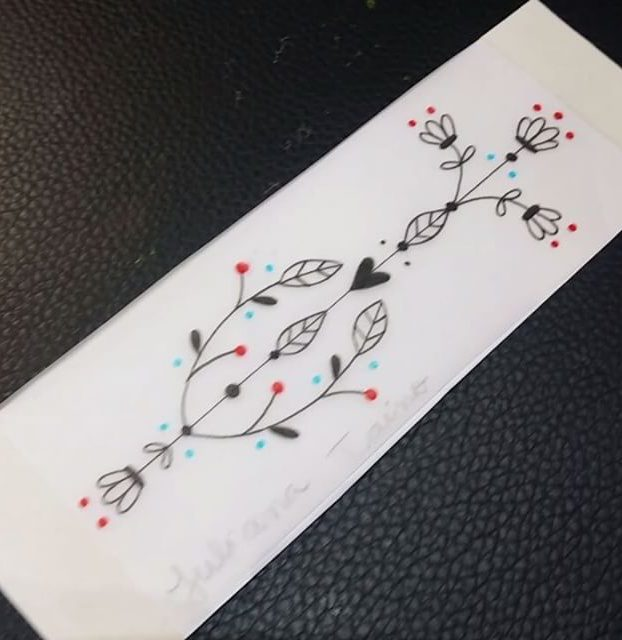 qual quantia de um adesivo para tatoagem