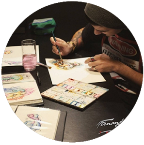 tatuador Fernando Souza desenhando